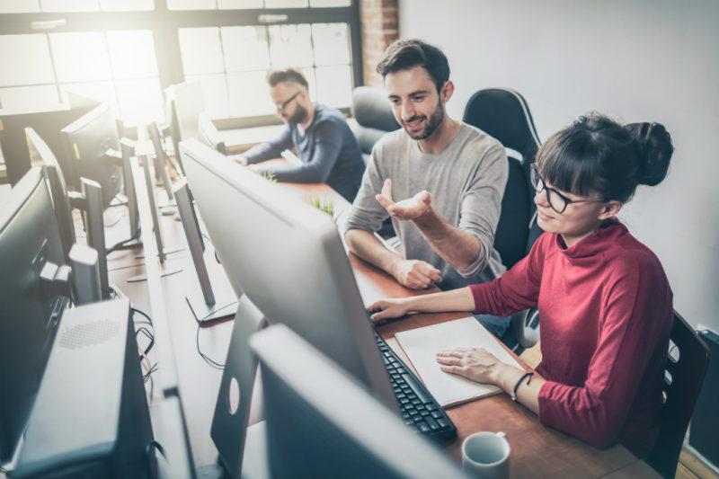 Qual a diferença de uma internet corporativa para uma normal?